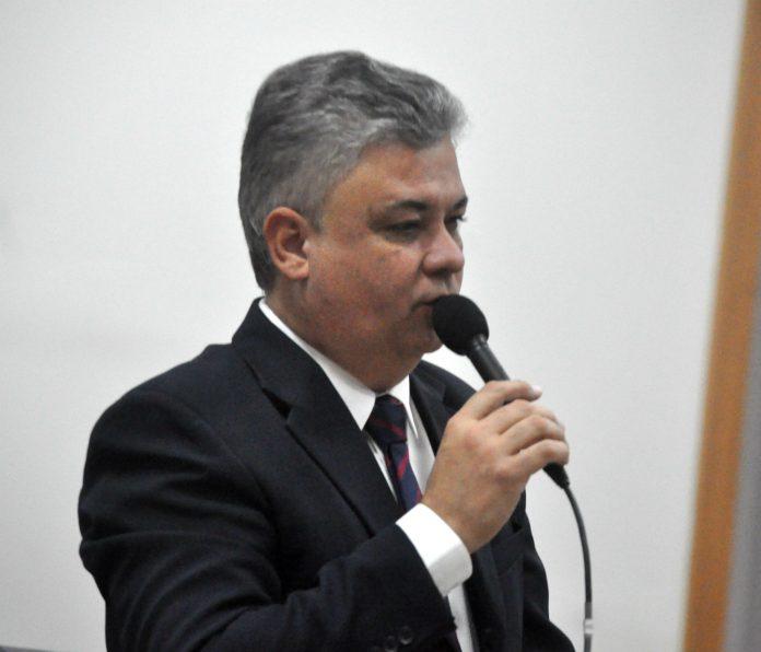 Gabinete de Robson Oliveira divulga selecionados de processo seletivo