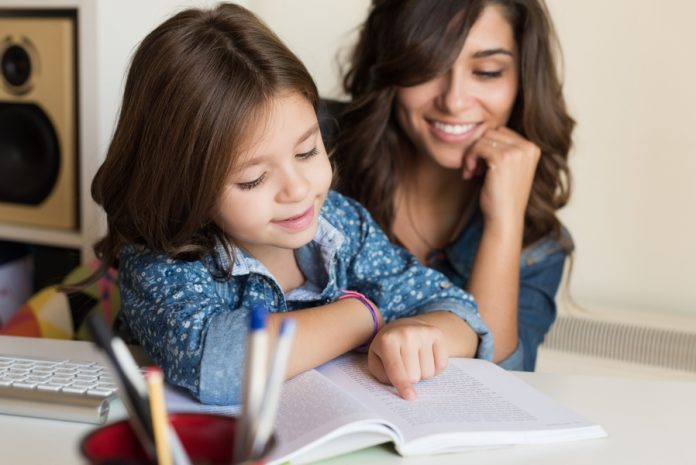 Presença obrigatória de pais e responsáveis nas escolas a cada dois meses pode virar lei - ODEBATEON